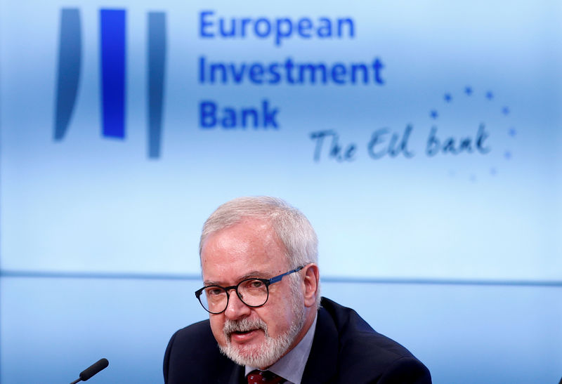© Reuters. FILE PHOTO: EIB President Hoyer holds news conference in Brussels