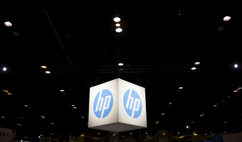 © Reuters. FILE PHOTO: The Hewlett-Packard (HP) logo is seen as part of a display at the Microsoft Ignite technology conference in Chicago