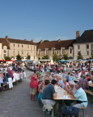 A food festival in Richelieu's main square.