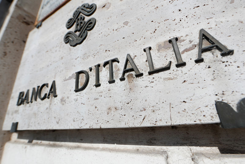 © Reuters. FILE PHOTO: Banca D'Italia sign is seen in downtown Rome
