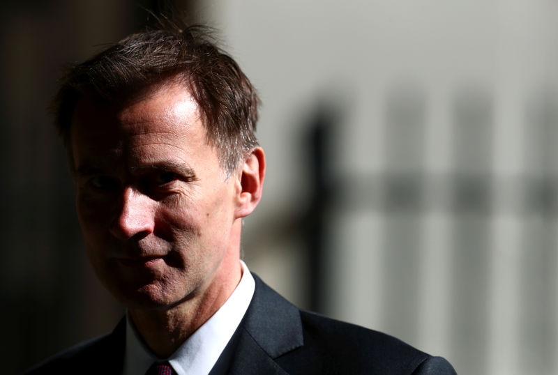 © Reuters. FILE PHOTO:  Britain's Foreign Secretary Jeremy Hunt is seen outside Downing Street in London