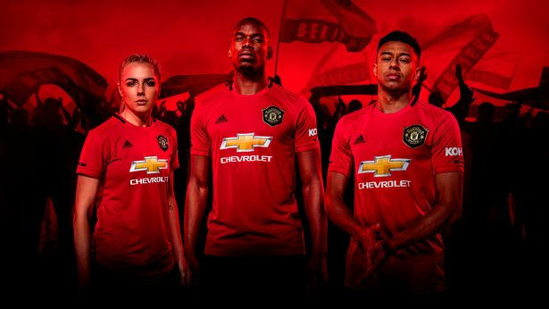 brand new b278d 774ee New Man Utd home kit to cost £100 if fans want to purchase ...