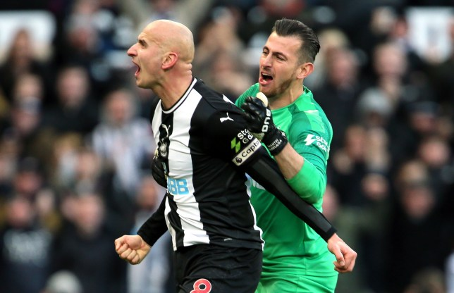 Newcastle United's Jonjo Shelvey (left) celebrates scoring his sides second goal with Martin Dubravka