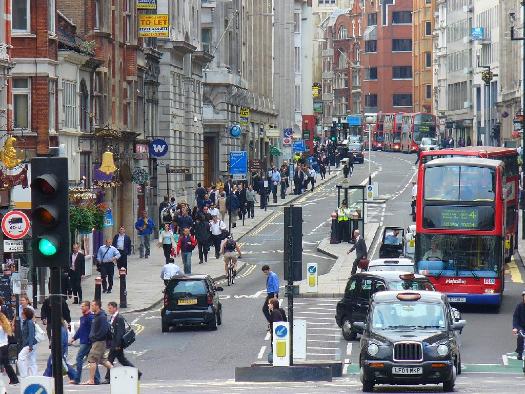 Should You Live in or Out of the City Whilst Working in London