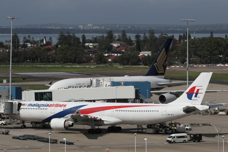 © Reuters. FILE PHOTO: A Malaysia Airlines plane is seen at Kingsford Smith International Airport in Sydney