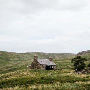 A bothy alone in the countryside.